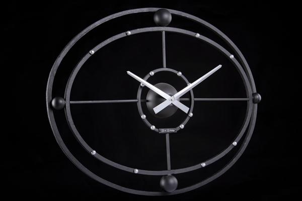 Кованные часы